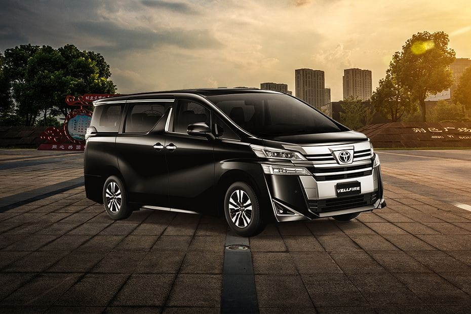 Vellfire 2020 Front angle low view