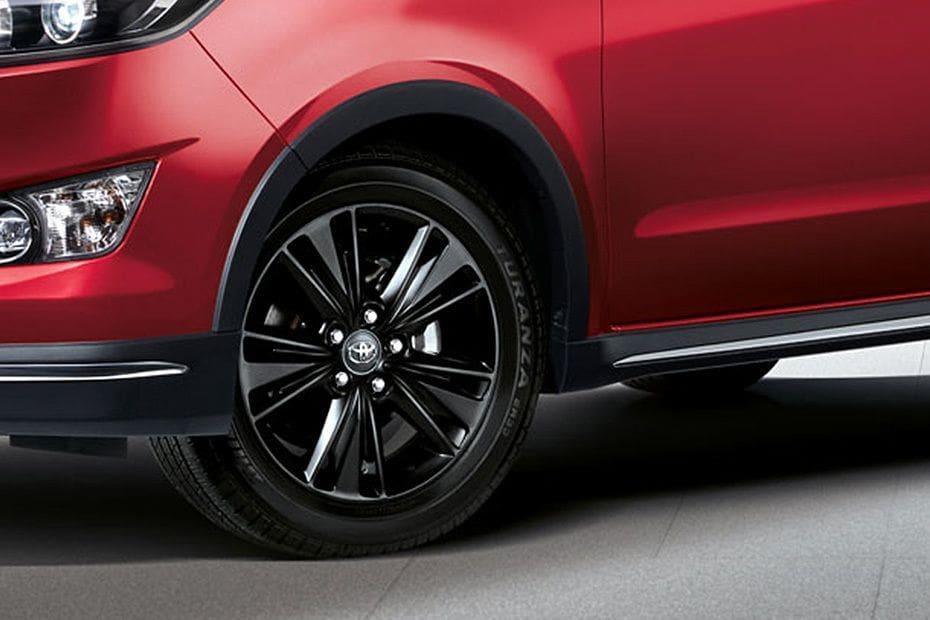 Toyota Innova Videos