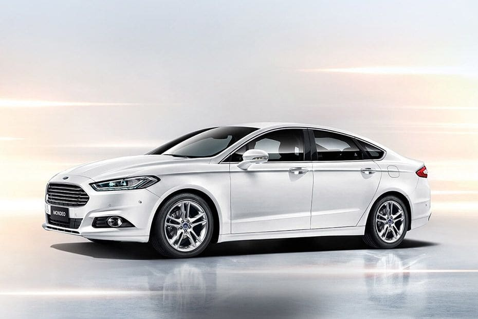 Mondeo Front angle low view