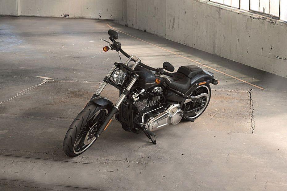 Harley-Davidson Breakout Slant Front View Full Image