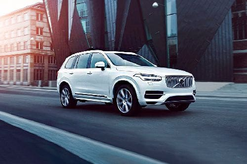 XC90 2020 Front angle low view