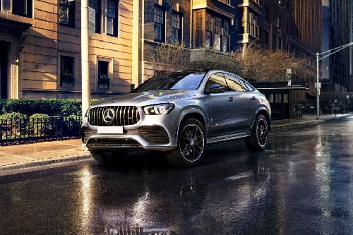 GLE-Class Coupe Front angle low view