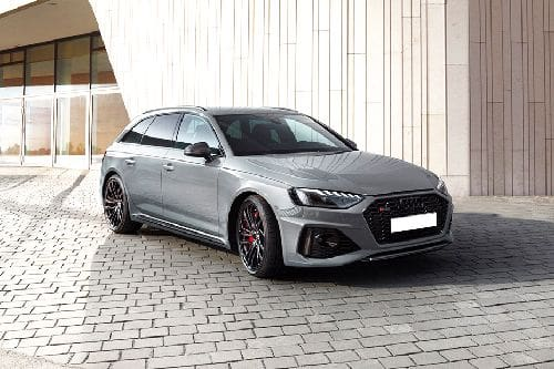 RS 4 Avant Front angle low view
