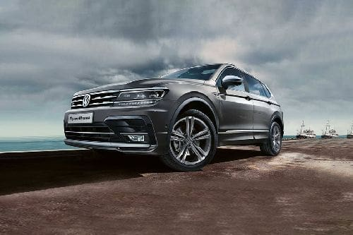 Tiguan Allspace R-Line Front angle low view