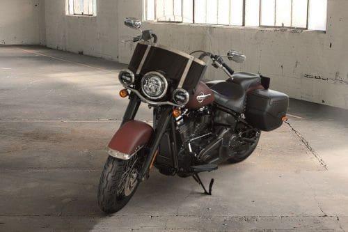 Harley-Davidson Heritage Classic Slant Front View Full Image